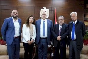 بهدف تعزيز التعاون.. إنجاز فلسطين تجتمع مع وزير العمل د.نصري أبو جيش